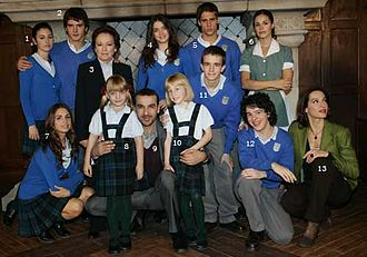 Amparo Baró - Amparo Baró (number3) with the actors of El Internado (2007).