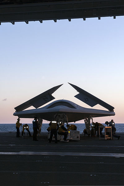 File:Personnel load a U.S. Navy X-47B Unmanned Combat Air System demonstrator aircraft on an aircraft elevator aboard the aircraft carrier USS George H.W. Bush (CVN 77) May 14, 2013, in the Atlantic Ocean 130514-N-FE409-024.jpg