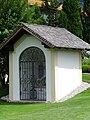 Pestkapelle im ehem. Pestfriedhof, Brixlegg.jpg