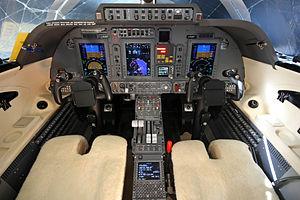 Piaggio P.180 Avanti - Avanti II flight deck