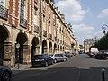 Place des Vosges (29850419698).jpg