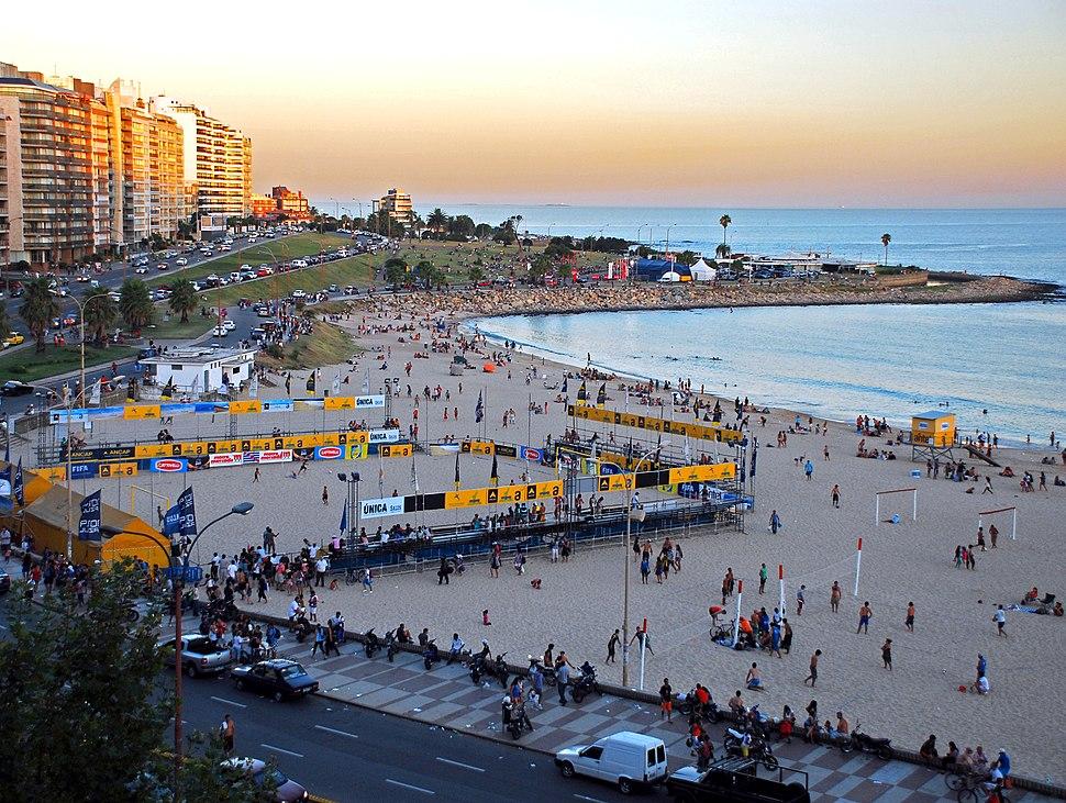 Playa Pocitos Montevideo - panoramio