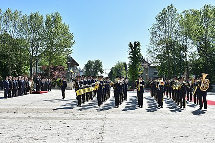 The regimental band for the Michael the Brave 30th Guards Brigade during the visit of Petro Poroshenko to Romania. Poroshenko in Romania 04.jpg