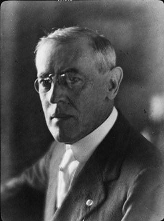 Sedition Act of 1918 - Portrait photograph of Woodrow Wilson