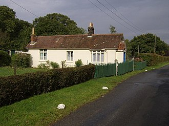 Calbourne & Shalfleet railway station - Image: Pound Crossing geograph.org.uk 580453