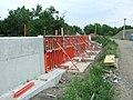 Praha, Trója, Výstavba železobetonové zdi.jpg