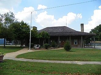 Prairie du Rocher, Illinois - Image: Prairie du Rocher, Illinois, French colonial style house