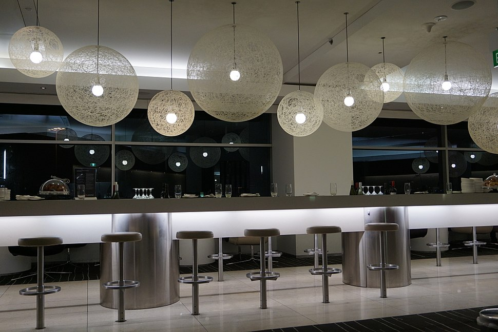 Qantas International Business Class Lounge - Sydney Airport1
