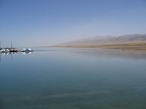 Qinghai Lake - Image: Qinghai Lake May 2006