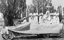 Queen of the Kitchen float from Crook County High School Day, May 8, 1914.jpg