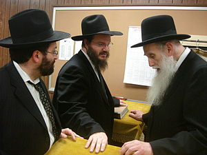 English: Rabbis Brown and Mayer talking with R...