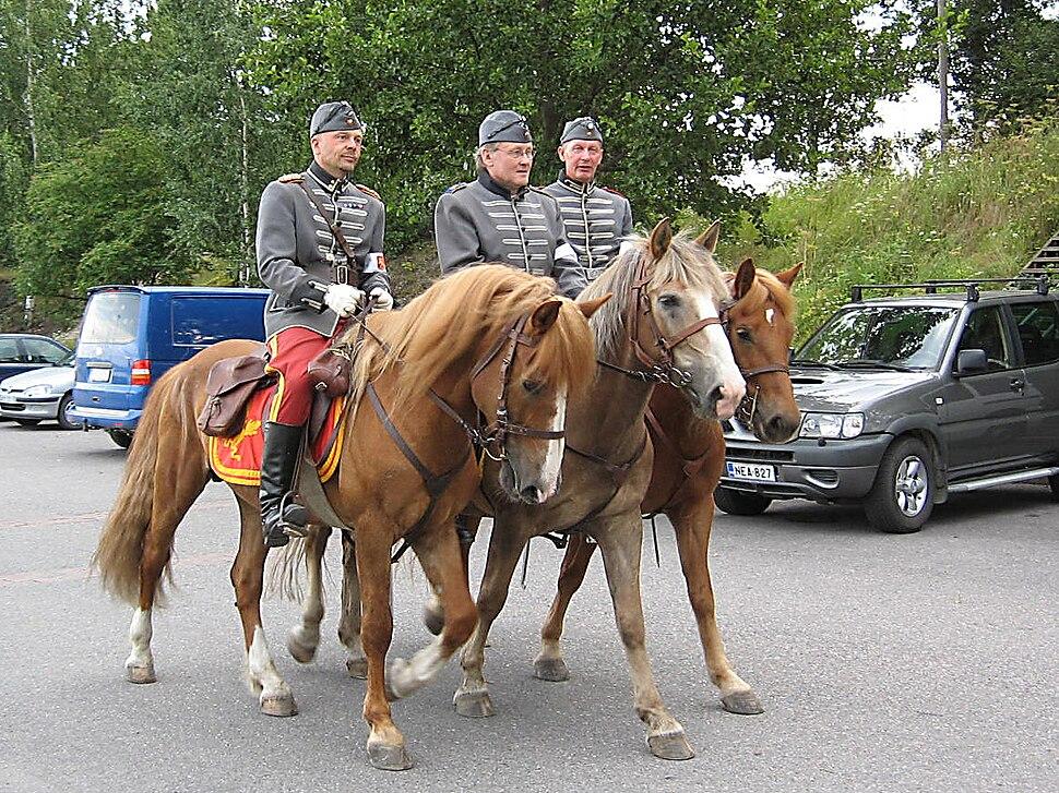 Ratsumieskilta riders