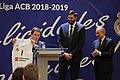 Recepción al Real Madrid de Baloncesto en el Ayuntamiento tras ganar su 35 título de Liga 04.jpg