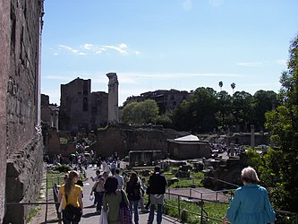 Roman Forum esp Temple of Castor and Pollux.jpg