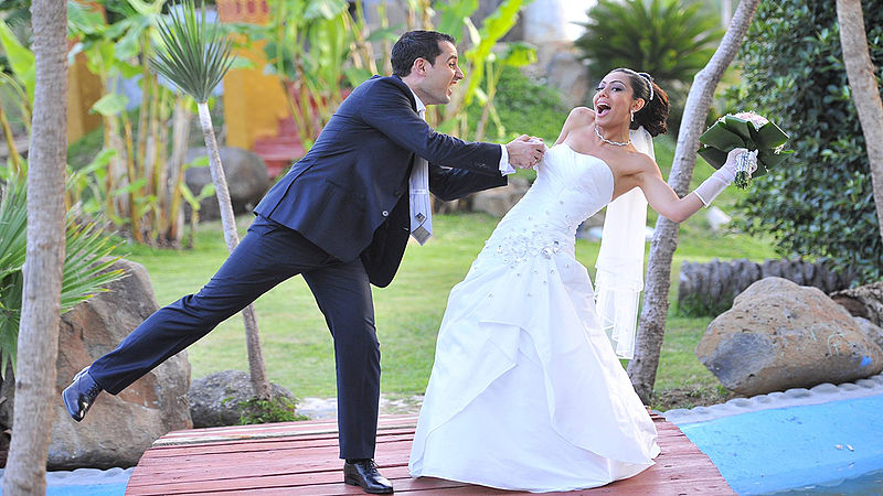 File:Romatic Weddings at Janna Sur Mer Damour, Lebanon.jpg