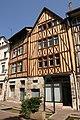 Rouen - 134 rue Eau de Robec.jpg
