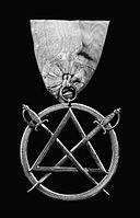 Ryś Masonic jewel with two swords.jpg