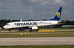 Ryanair B737 EI-FIH (35565120255).jpg