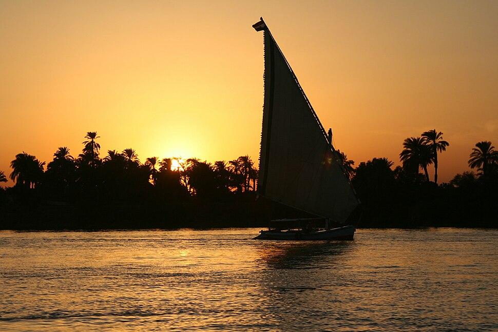 S F-E-CAMERON 2006-10-EGYPT-LUXOR-0439