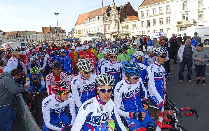 Saint-Amand-les-Eaux - Paris-Roubaix juniors, 12 avril 2015, départ (A70).JPG