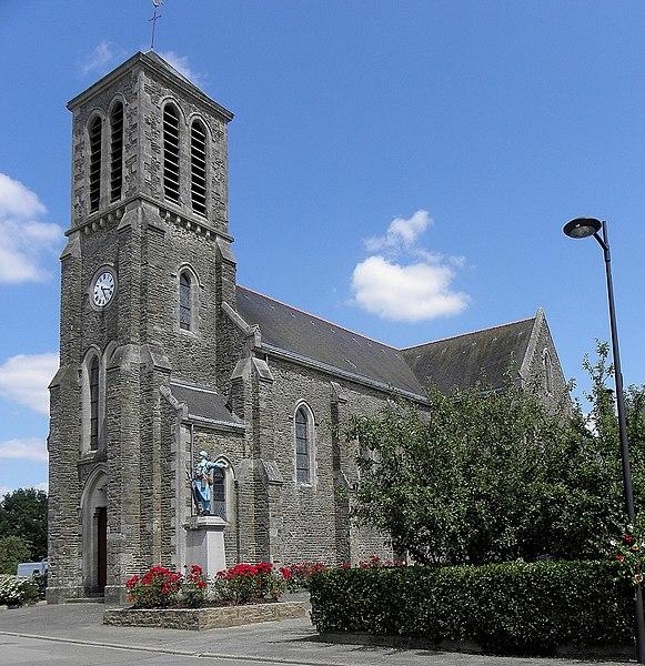 Église Saint-Julien de Saint-Julien-du-Terroux (53).