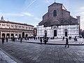 San Petronio - Piazza Maggiore.jpg