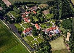 Sassenberg, Füchtorf, Schloss Harkotten -- 2014 -- 8548 -- Ausschnitt.jpg