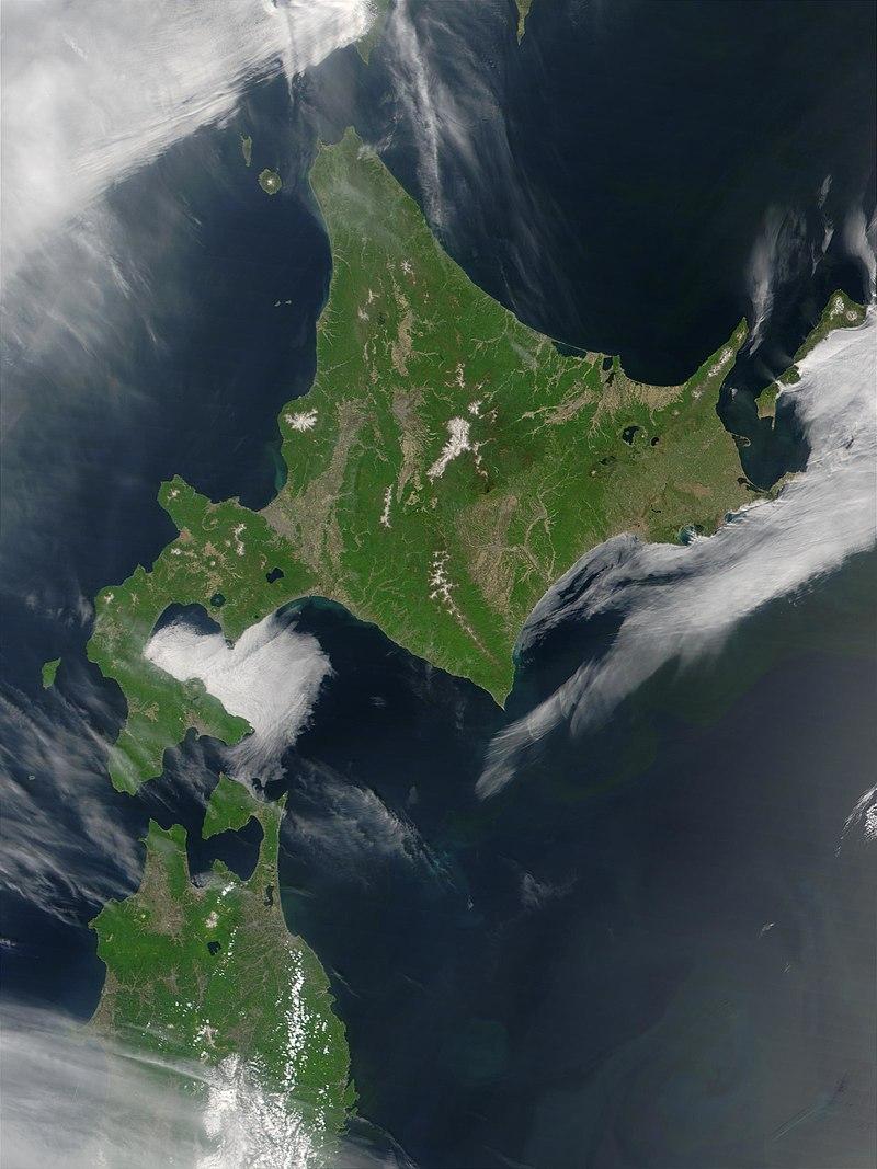 Satellite image of Hokkaido, Japan in May 2001.jpg