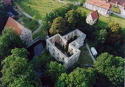 Luftaufnahme der Schlossruine in Störmede