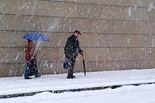 الثلج ...***... 220px-Schnee_17-12-05