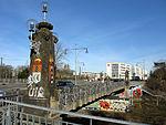 Schnewlinbrücke über die Dreisam und B 31a in Freiburg mit Jugendstilgeländer 6.jpg