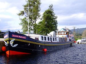 Scottish Highlander Hotel Barge Moored.jpg