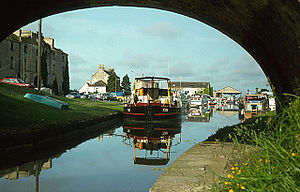 Shannon Harbour - Image: Shannon Harbour geograph.org.uk 585671