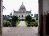 Shujauddaula tomb faizabad.jpg