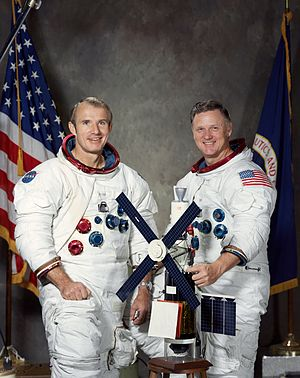 Vance D. Brand - Brand (left) with Don Lind as a Skylab rescue crew