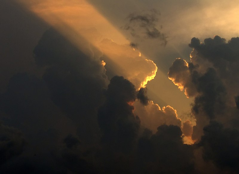 File:Soleil couchant sur le Vercors.jpg