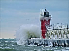 South Pier Lighthouse at South Haven, MI.jpg
