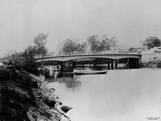 Breakfast Creek - Image: State Lib Qld 1 104548 Breakfast Creek Bridge, Brisbane, Queensland, ca. 1889