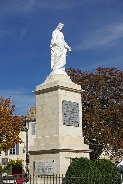 Statue on the place Gambetta in Castelnau-Montratier (Lot, France).