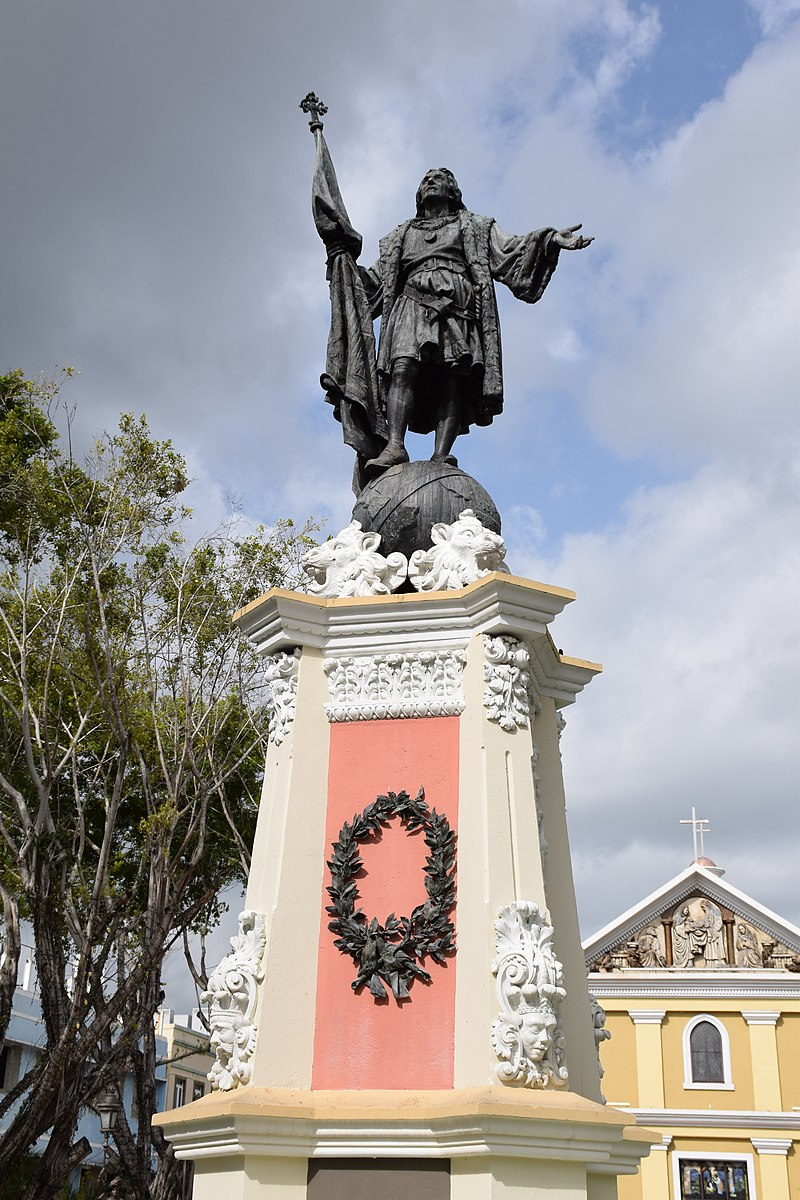 Statue Plaza Colón - Mayagüez Puerto Rico.jpg