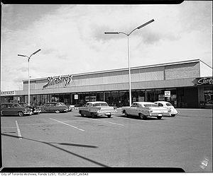 Ivanhoé Cambridge - Steinberg's grocery store, 1960s