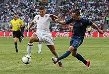 Gerrard e Franck Ribéry (a destra) durante Francia-Inghilterra di Euro 2012.