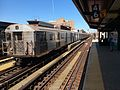 Sthbnd J train skipping Hewes St.jpg