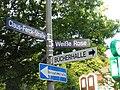 Straßenschild-weiße-rose.JPG