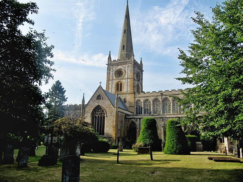 File:Stratford-upon-Avon, Church of the Holy Trinity 01.jpg