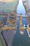 Stuw- en sluizencomplex Heumen luchtfoto (01).jpg