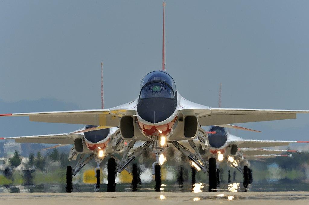 المقاتله الخفيفه KAI T-50 Golden Eagle الكوريه الجنوبيه    1024px-T-50_Golden_Eagle_Lining_up