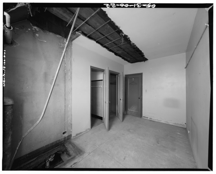 File:TYPICAL HOTEL ROOM. - Newark International Airport, Administration Building, Brewster Road between Route 21 and New Jersey Turnpike Exchange No. 14, Newark, Essex County, NJ HAER NJ,7-NEARK.V,1B-27.tif