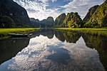 Tam Coc Rice Valley (8756354342).jpg