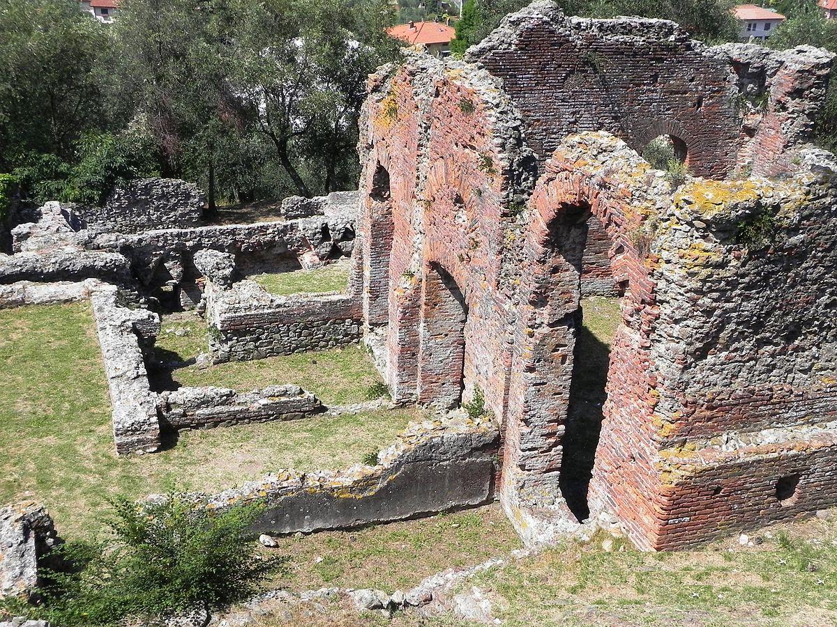 Terme di massaciuccoli wikipedia - Le 12 tavole romane ...